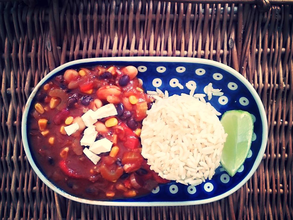 Chili wegatariańskie z ryżem