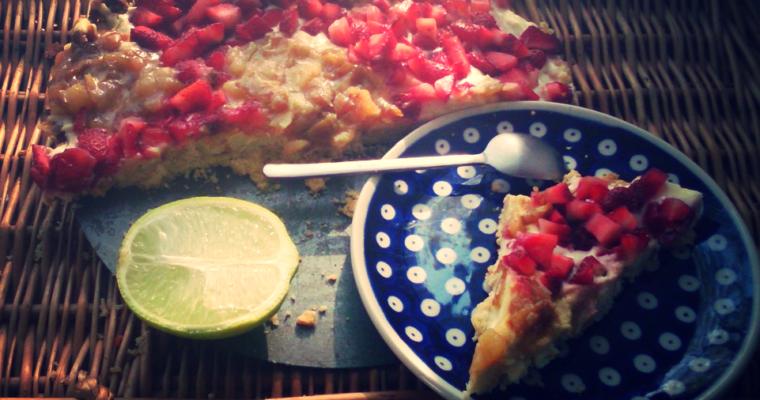 Tarta truskawkowo-gruszkowo-limonkowa