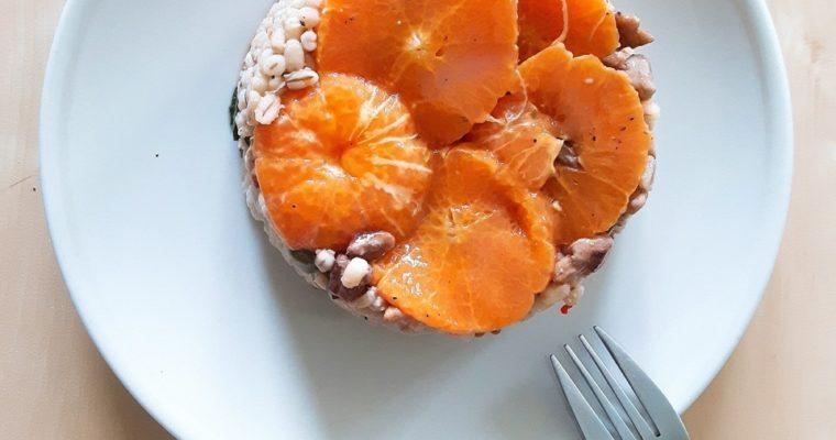 Pęczak z mandarynkami i orzechami włoskimi