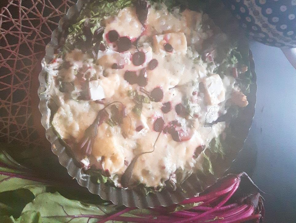 Frittata z botwinką i szpinakiem