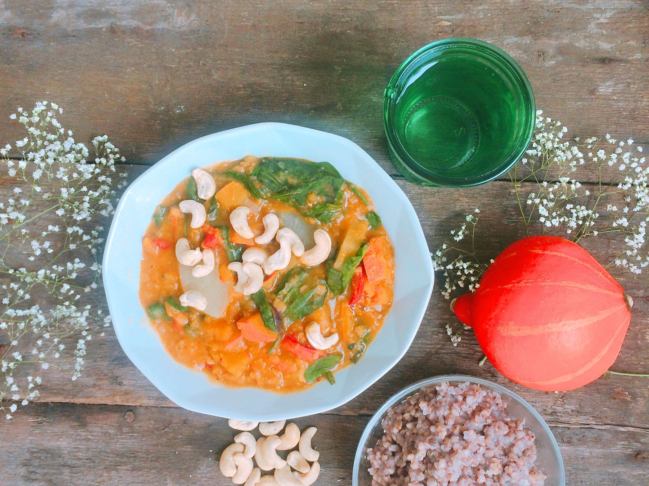 Curry z dynią i ananasem