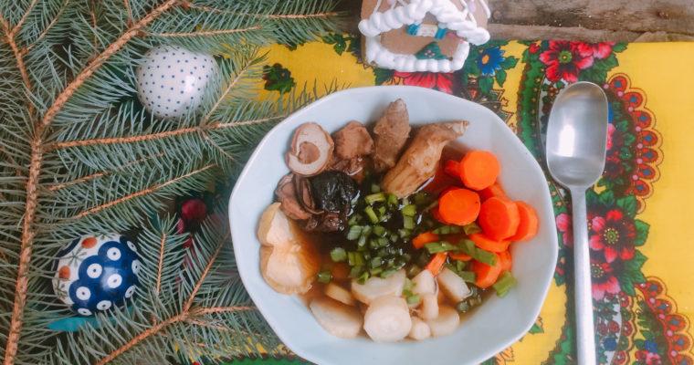 Zupa grzybowa z topinamburem i suszonymi owocami