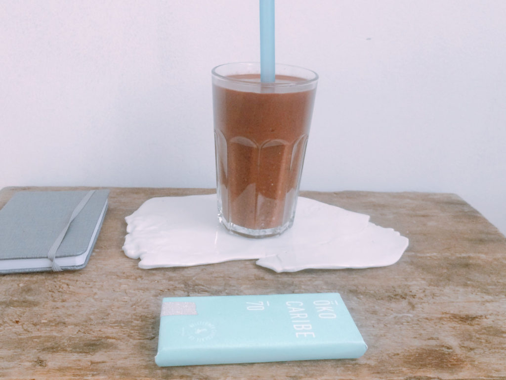 koktajl czekoladowy z fasoli i kaszy - przepis Katarzyny Błażejewskiej-Stuhr