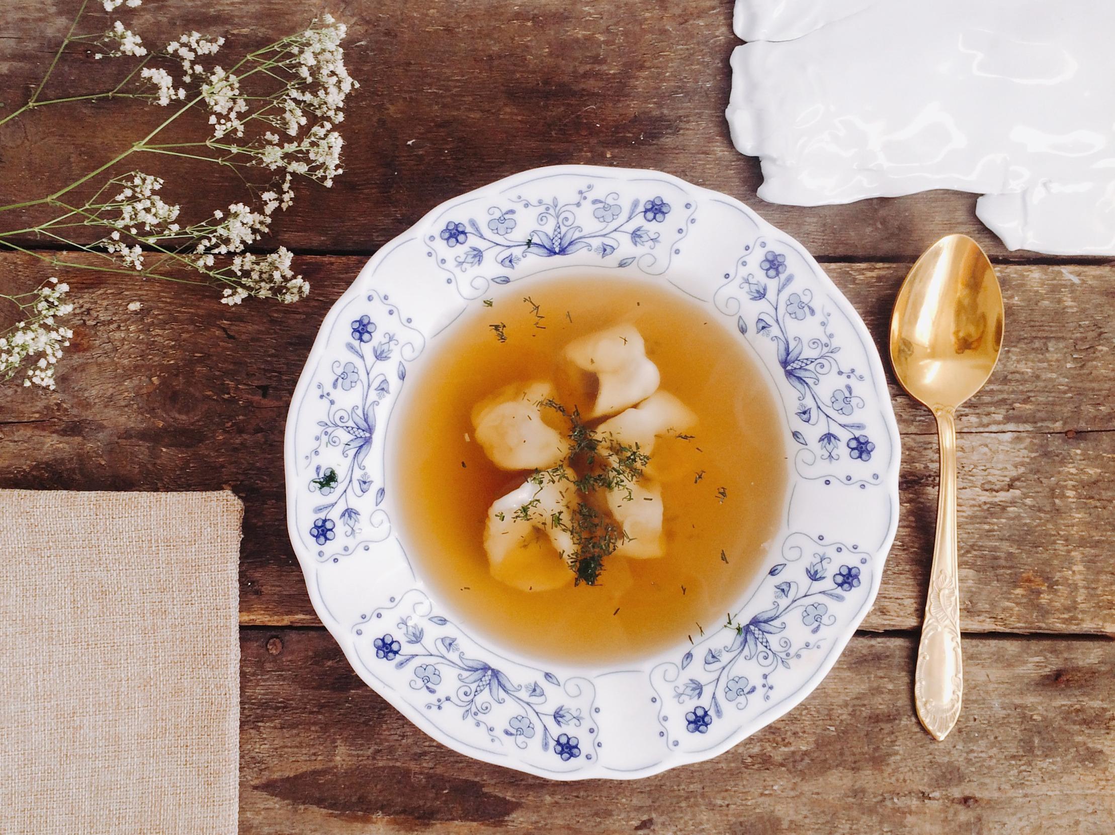 Zupa kminkowa z uszkami