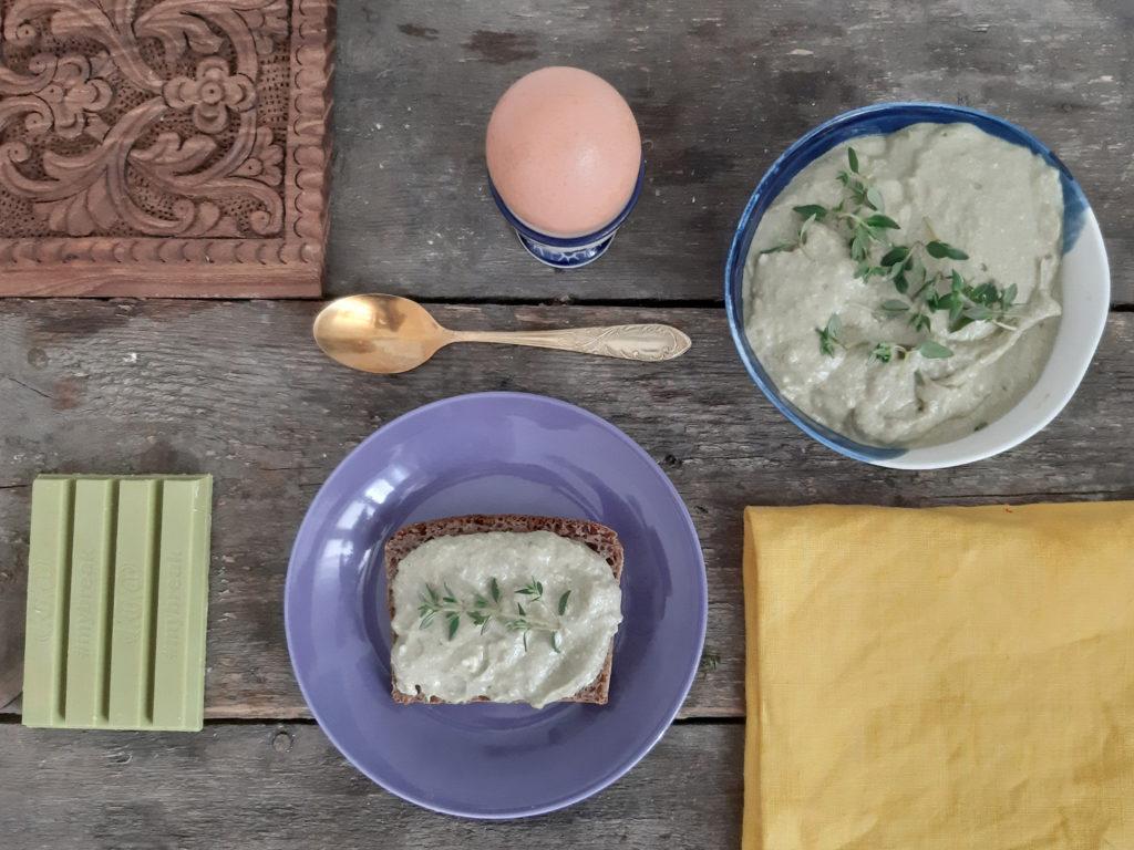 Pasta kanapkowa ze szczawiu i tymianku