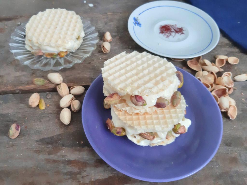 Lody perskie - kanapki lodowe z szafranem i pistacjami