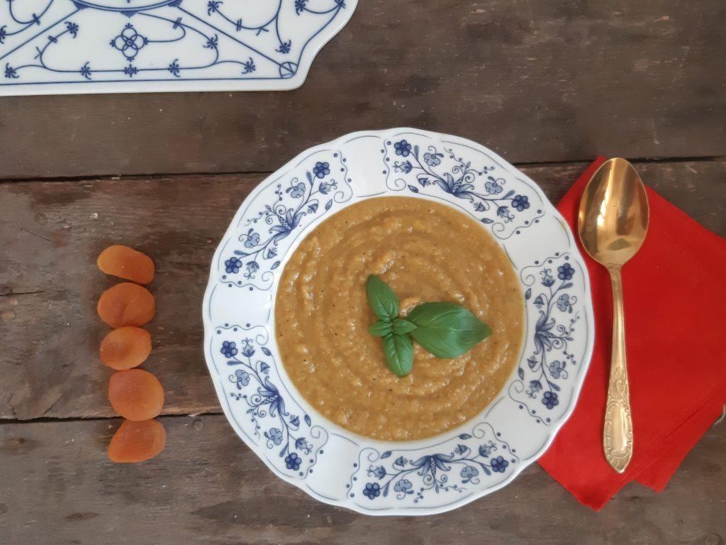 Zupa z soczewicy i moreli