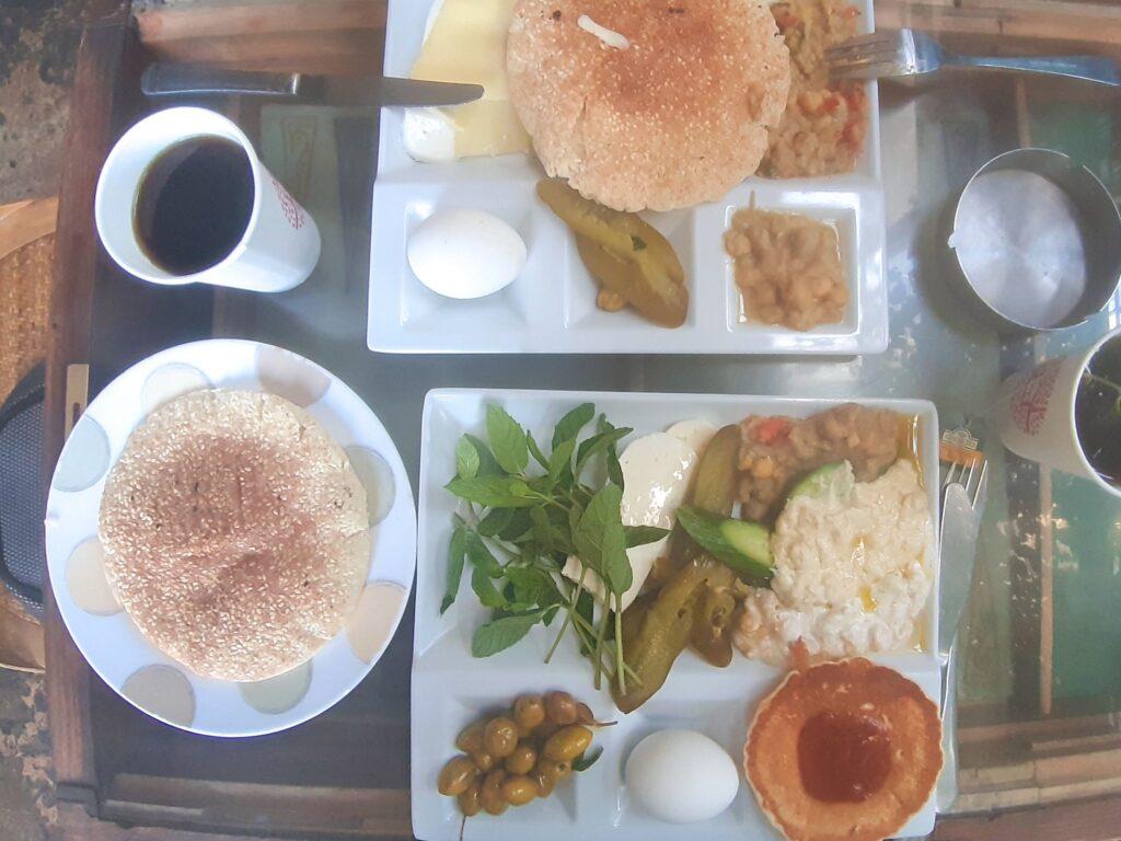 sniadanie liban